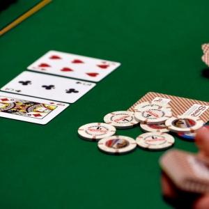 new-poker-chips-0ff1a7d1d1faf20b_300x300_scaled_cropp