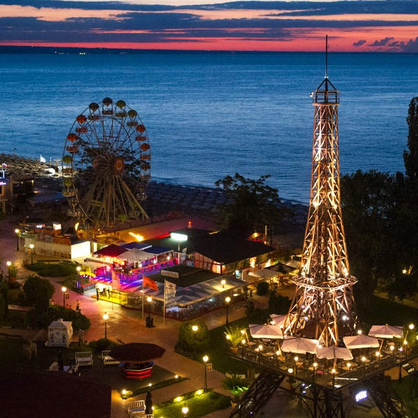 Varna at night