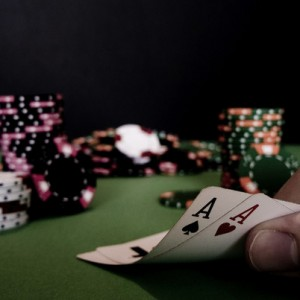 Poker-Tiago-Daniel-Foter-CC-BY-NC-ND