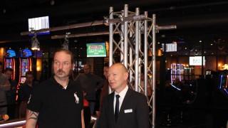 Heinz Bergmann mit Pokerchef Uwe Wenda