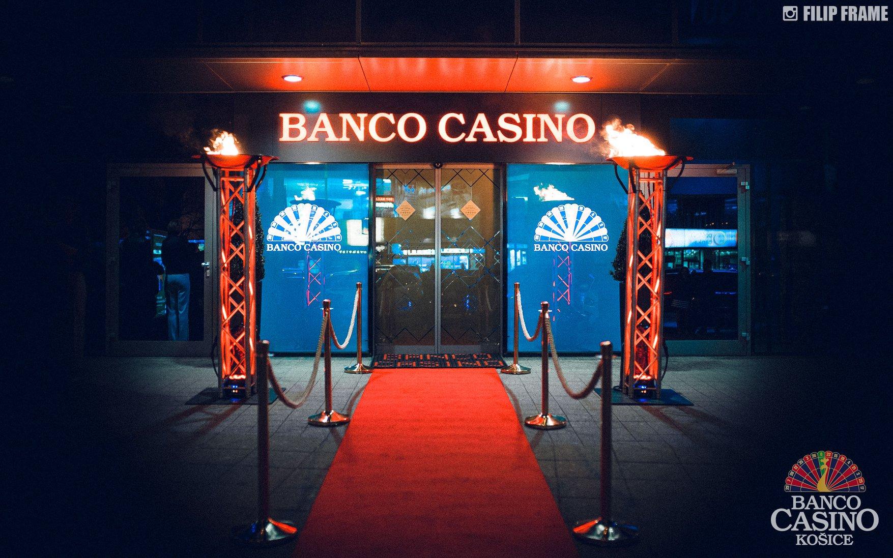 BancoCasino_FRontdoor
